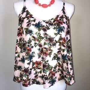 Cute floral cropped Summer tank 💖💐